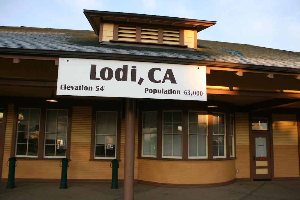 Lodi, CA (Amtrak San Joaquin) - The SubwayNut
