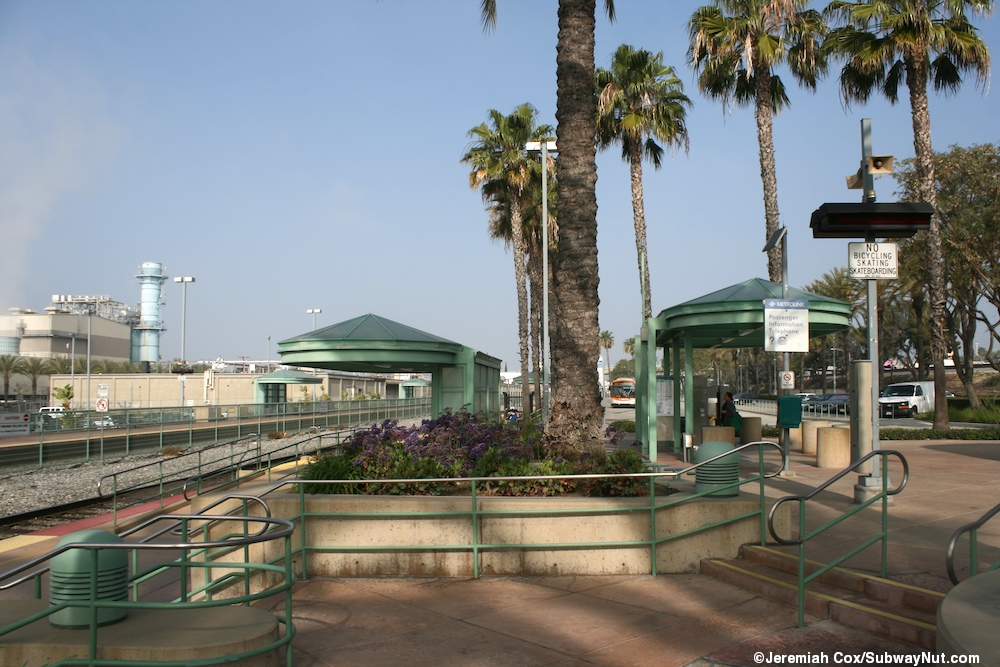 Downtown Burbank Metrolink Antelope Valley And Ventura