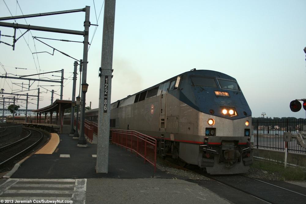 New London Shore Line East Amp Amtrak S Acela Express