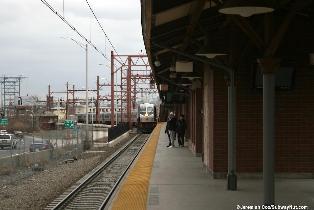 Newark Broad Street - (New Jersey Transit Morristown Line