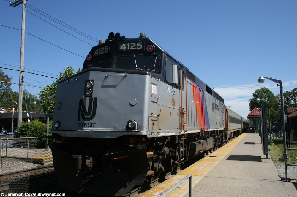 Suffern, NY (NJT Main/Bergen County Lines, Metro-North Port Jervis